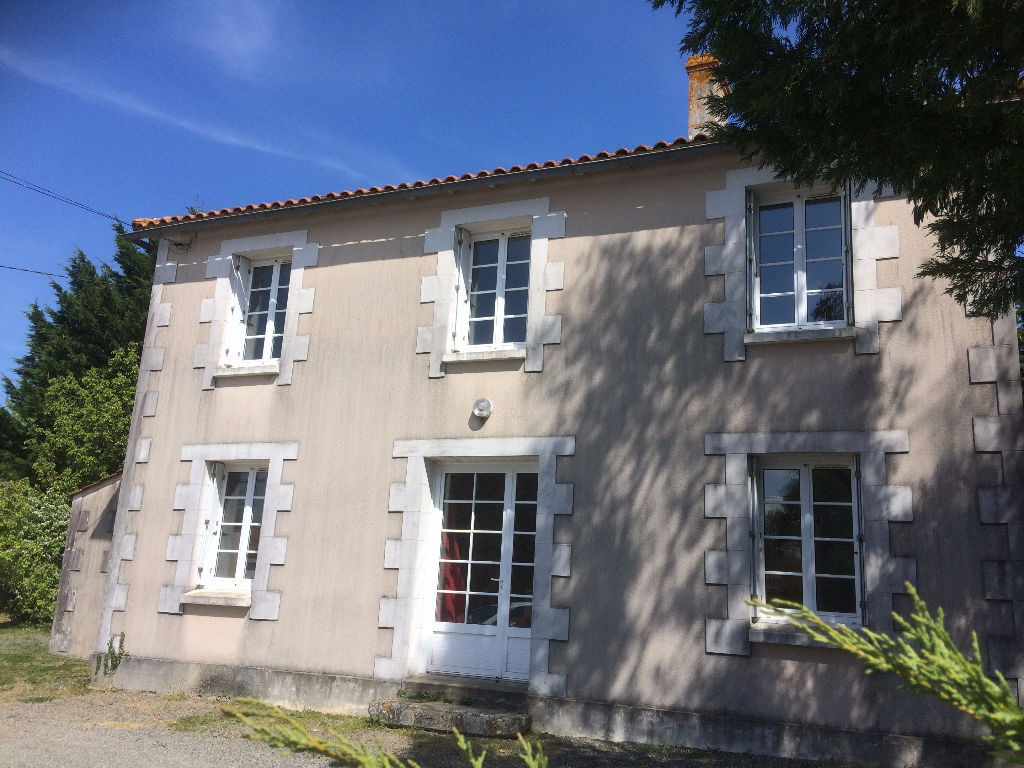 maison-saint-vincent-sur-graon-150-m2